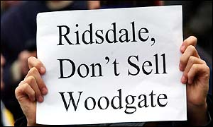 Fans make their feeling clear over defender Jonathan Woodgate who has been linked with a move to Newcastle