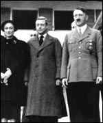 Duke and Duchess with Hitler at Berchtesgaden