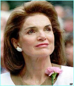 Jackie Kennedy-Onassis _38752621_athina5