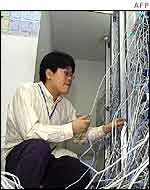 Engineer in Korea looking at systems after Slammer worm attack