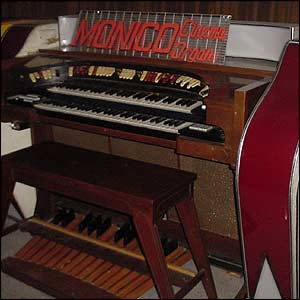 Organ at the Monico
