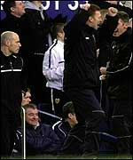 Moyes celebrates as Venables watches