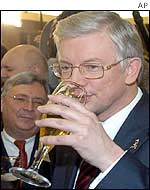 The CDU Governor of Hesse, Premier Roland Koch, enjoys beer