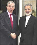 UK Foreign Secretary Jack Straw with Iranian Foreign Minister Kamal Kharrazi