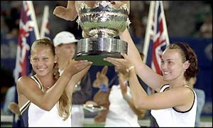 Hingis and Kournikova clinch the doubles title in Melbourne