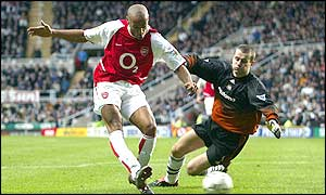 Thierry Henry gives Arsenal the lead in the 35th minute