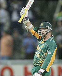 Lance Klusener hit five sixes and a four in his innings of 57