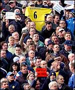 Leeds fans protest against the sale of Jonathan Woodgate