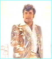Sanjeev Kumar to the rescue as a mystical hairdresser!