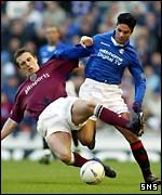 Scott Severin and Mikel Arteta tangle