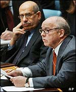 Weapons inspectors Hans Blix (r) and Mohamed ElBaradei