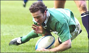Geordan Murphy scores Ireland's second try of the match