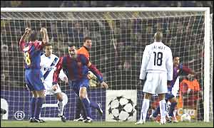 Philip Cocu scores Barcelona's second on 29 minutes