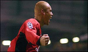 Wes Brown celebrates scoring for Man Utd against Juventus