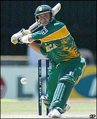 South Africa's Herschelle Gibbs gets ready to hit a delivery