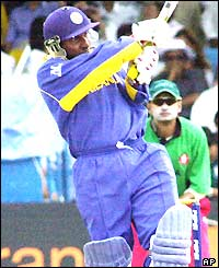 Aravinda de Silva plays the pull shot during his innings of 40