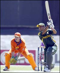 Pakistan's Saleem Elahi in action