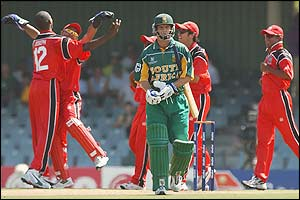 South Africa's Gary Kirsten walks off after being dismissed by Canada