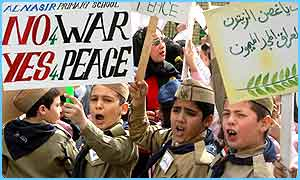 Scouts in Iraq protest against war