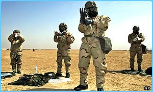 Soldiers prepare in the desert