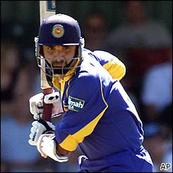 Marvan Atapattu watches the ball as Sri Lanka recover from the early loss of Jayasuriya
