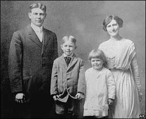 The Reagan family in 1913.