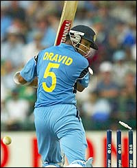 Rahul  Dravid drags Bichel onto his stumps and falls for 47