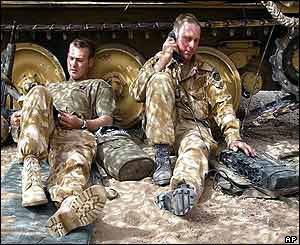 British soldiers recuperate in southern Iraq