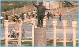 Saddam's statue