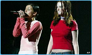 Tatu rehearse on Thursday