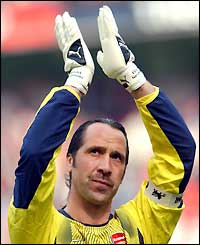 David Seaman applauds the crowd after seeing Arsenal through to the FA Cup final