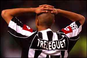 Agony for Juve's David Trezeguet as he misses a penalty