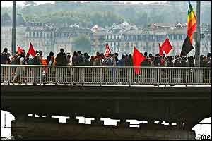 Protesters on Mont Blanc Bridge, Geneva