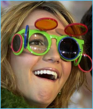 Britney takes glasses-wearing to a new dimension!