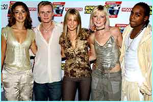 Without Paul at the Smash Hits T4 Poll Winners Party in November 2002