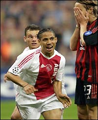 Steven Pienaar equalises much to the dimay of Milan's Massimo Ambrosini