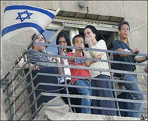 Jerusalem residents on their balcony