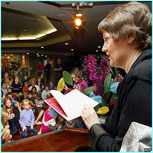 New Zealand:  Prime Minister Helen Clark read to 200 children at a story festival in Auckland