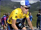 What tactics does Lance Armstrong use to stay ahead of the pack?