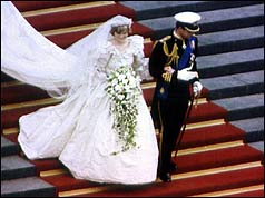 Charles and Diana walk down the steps of St Paul's Cathedral