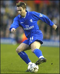 Graeme Le Saux moved to St Mary's as England full-back Wayne Bridge headed in the opposite direction in a �7m deal