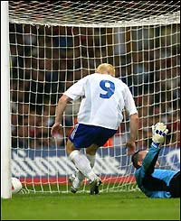 Mikael Forssell heads home Finland's equaliser