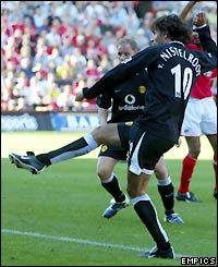 Ruud van Nistelrooy hits the opening goal of the game