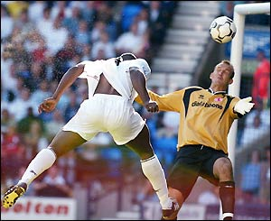 Bruno N'Gotty heads a goal for Bolton against Middlesbrough