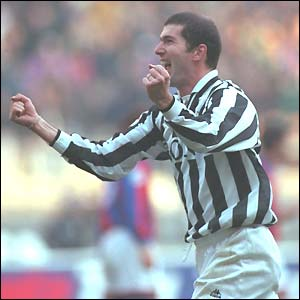 Zinedine Zidane in action for Juventus