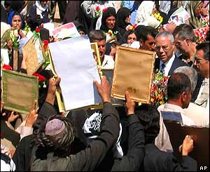 Colin Powell among Halabja crowds