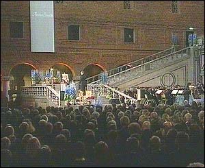 Mourners in City Hall