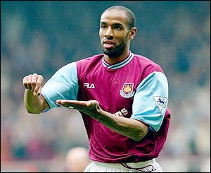 Freddie Kanoute in action for West Ham