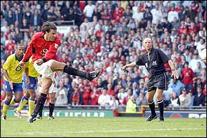 Van Nistelrooy steps up to take his penalty