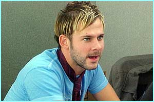 His pal Dominic Monaghan (Merry) looked fresh and funky. Not very Hobbit-like